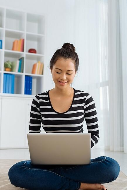 girl on laptop, how to come up with blog post ideas, content creation, content marketing, inbound marketing company in Brooklyn, social syndication